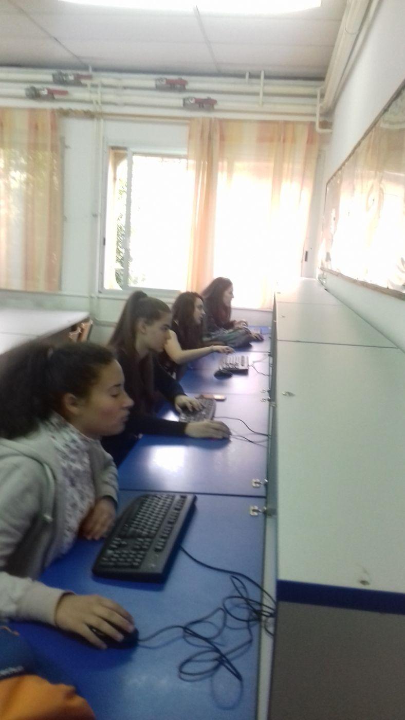 Posjeta ucenika Muzicke skole (1)